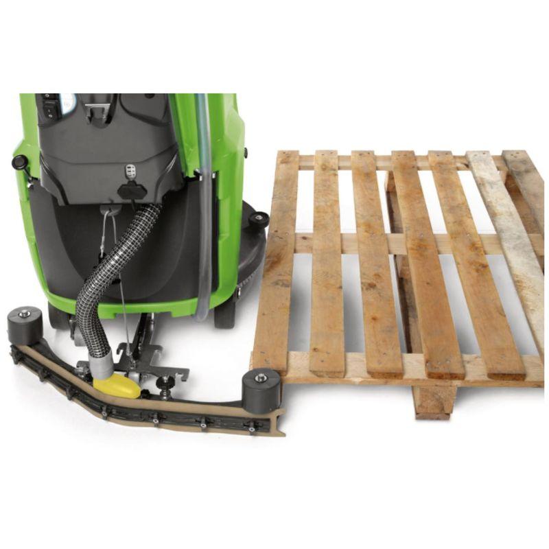 Cleancraft SSM 550 - Automatyczne odsunięcie listwy zasysającej chroni przed uszkodzeniem