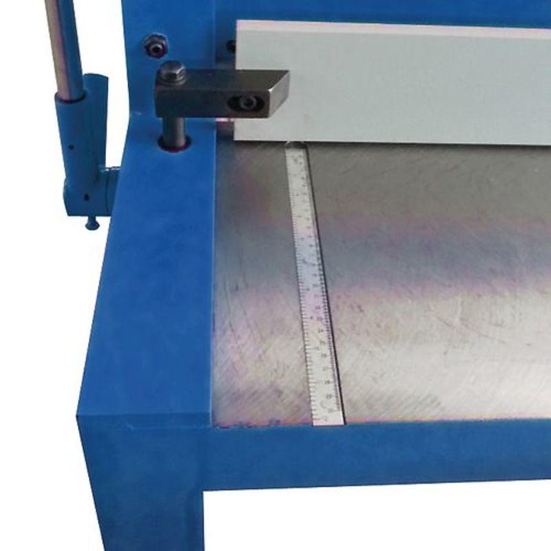 Metallkraft TBS 2001-12 - powierzchnia przednia ze skalą