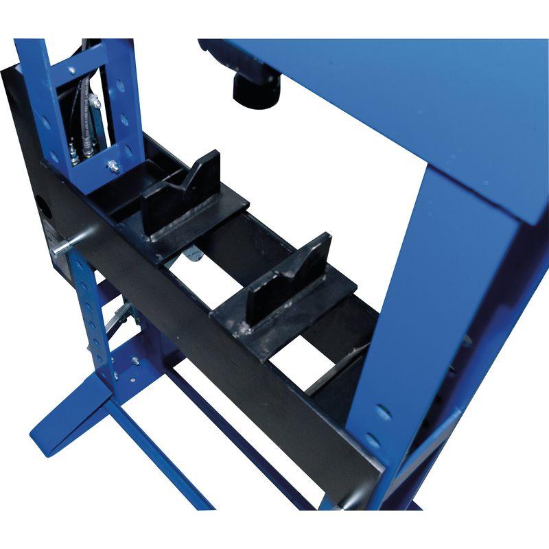 Metallkraft WPP 50 BK - widok na stół roboczy